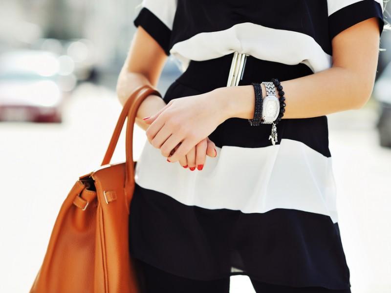 Stylish woman wearing a watchq
