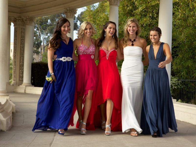 Friends at the prom