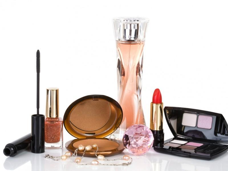 Cosmetics on a table.